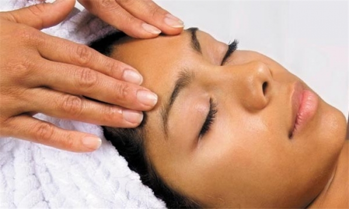 Revitalising facials from R280 at Rayshine Esthetics Salon